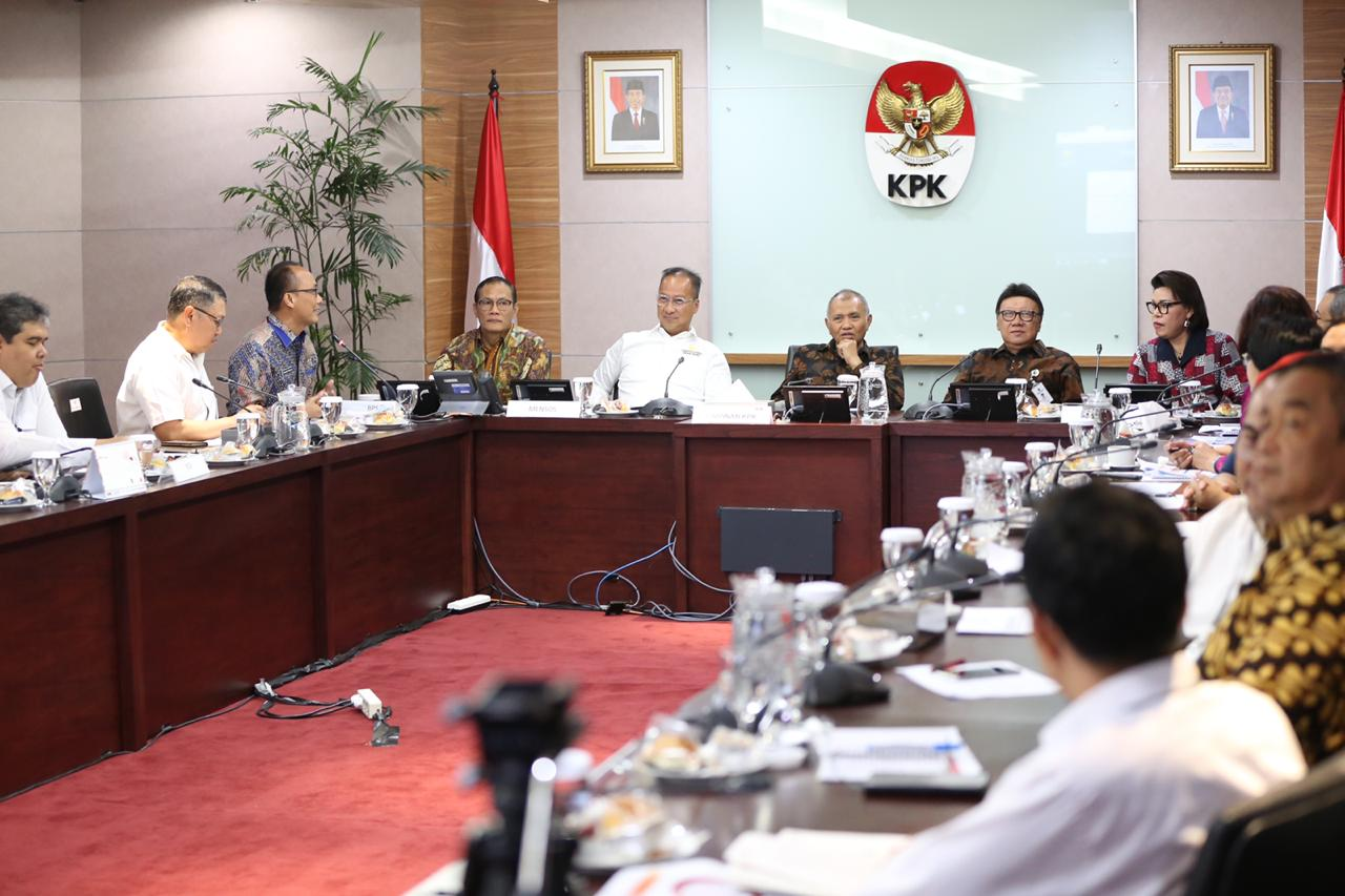 Social Minister Attended ID Number-Based Social Data Recovery Meeting