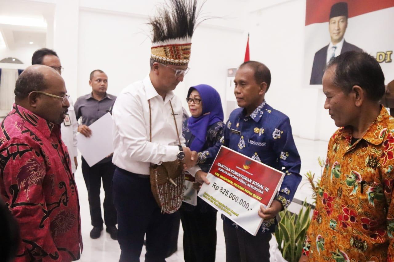 Kemensos Berikan Bantuan Korban Kerusuhan Papua