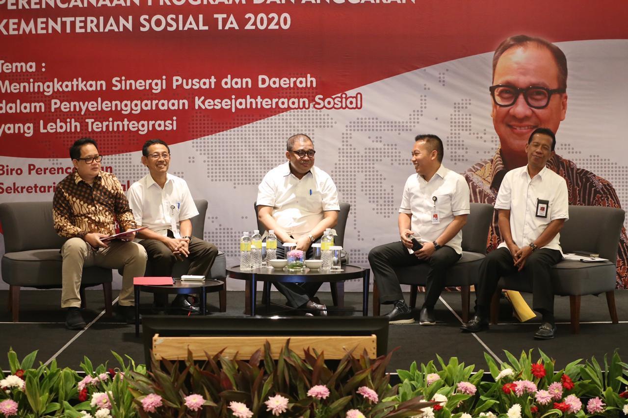 Kemensos Siapkan Kartu Sembako dan Penurunan Stunting Tahun 2020