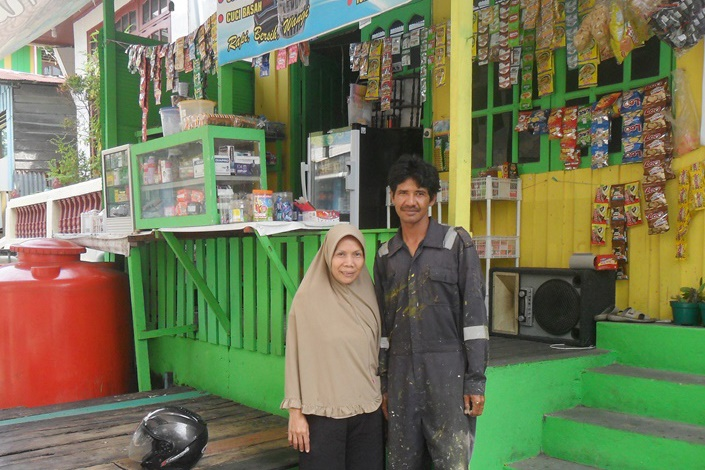 Successful Laundry Business and Grocery Stalls