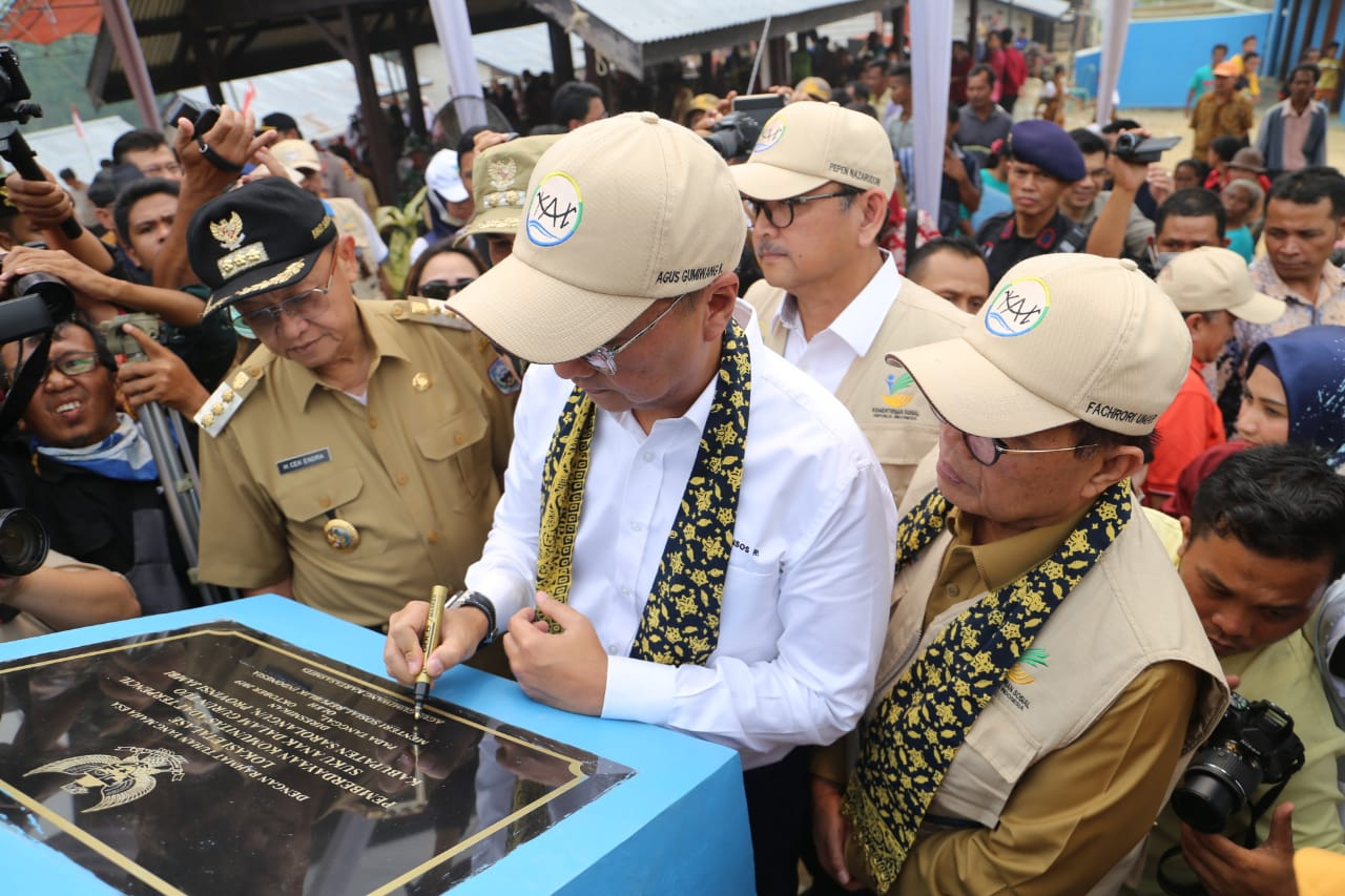 Minister of Social Affairs Inaugurate Show Window KAT in Jambi