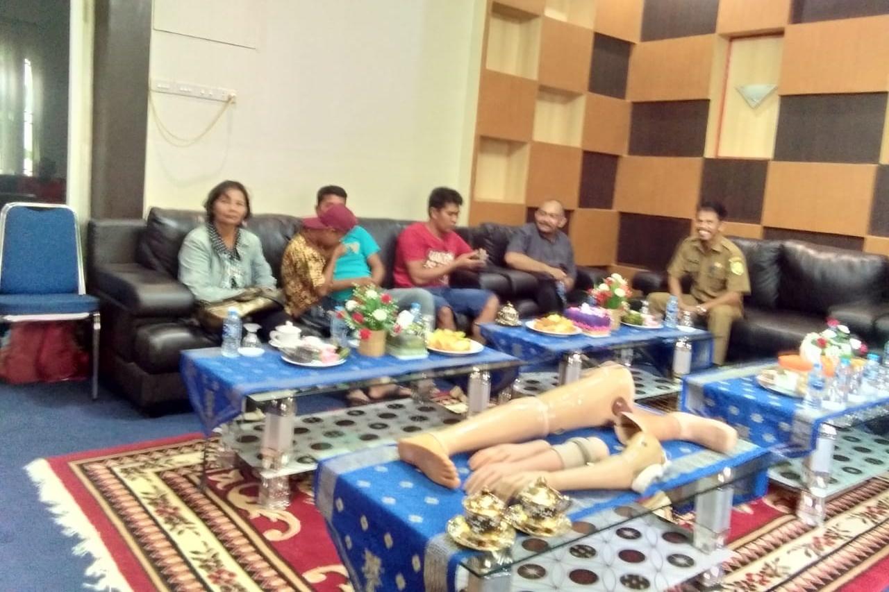 Kemensos Salurkan Bantuan Protese Bagi PDF di Kalbar