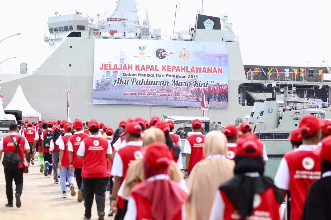 Ratusan Generasi Millenial Ikuti Jelajah Kapal Kepahlawanan di Riau