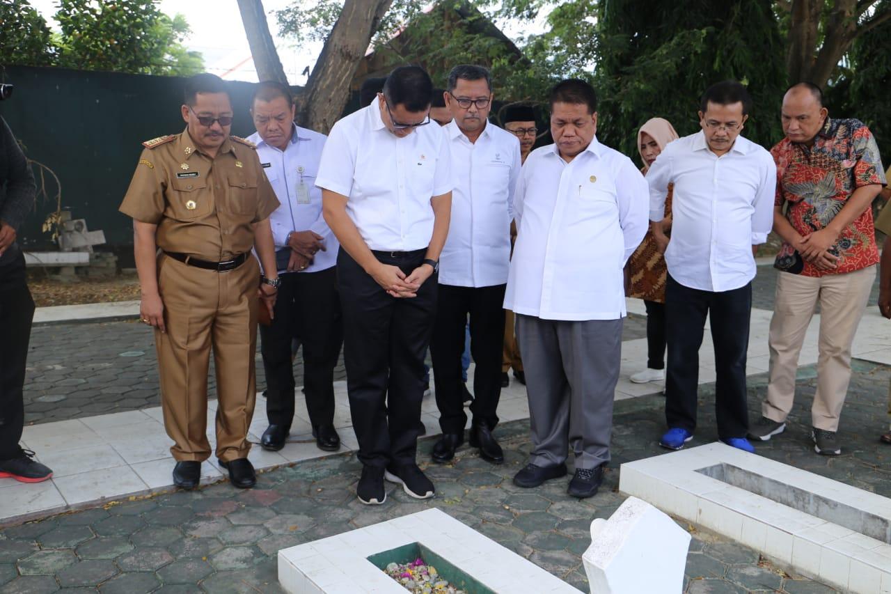 Kunker Perdana, Mensos Juliari Batubara Tinjau TMPN di Palu