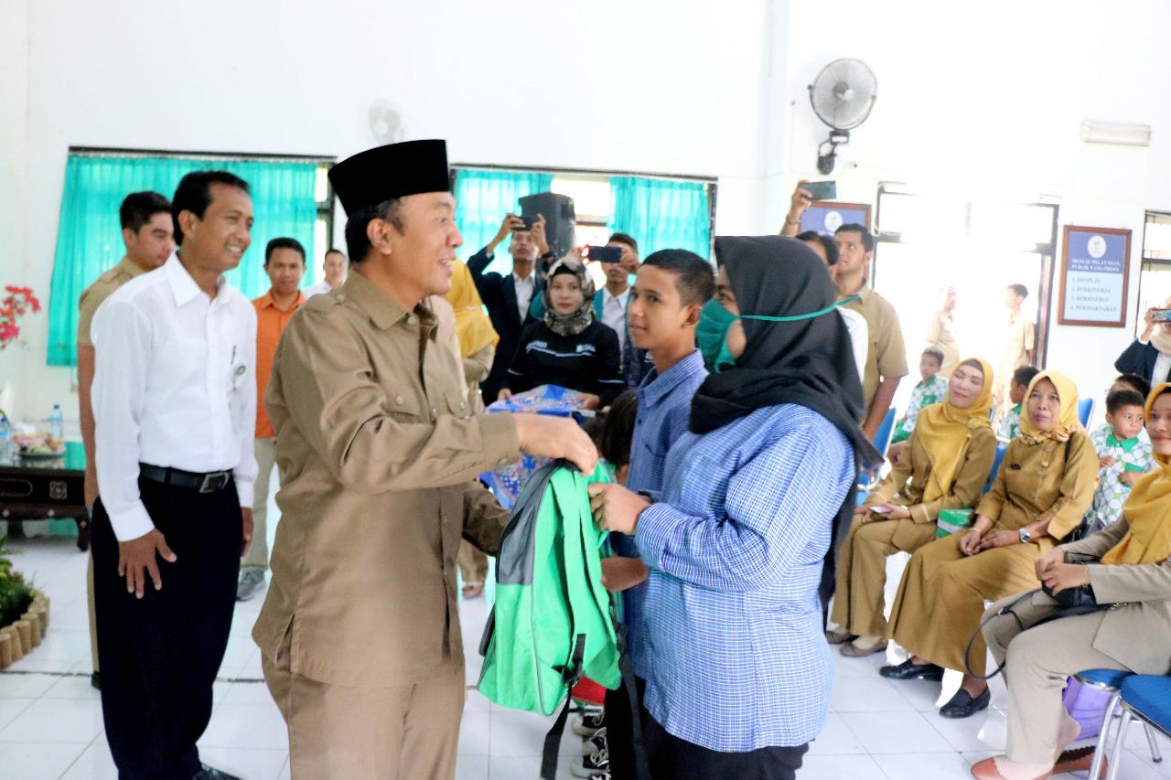 """Kunjungi BRSAMPK """"Paramita"""", Bupati Lombok Barat Berikan Bantuan"""