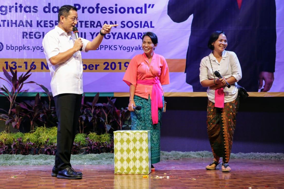 Mensos Hadiri Lokakarya Peningkatan Kapasitas SDM Pendamping PKH