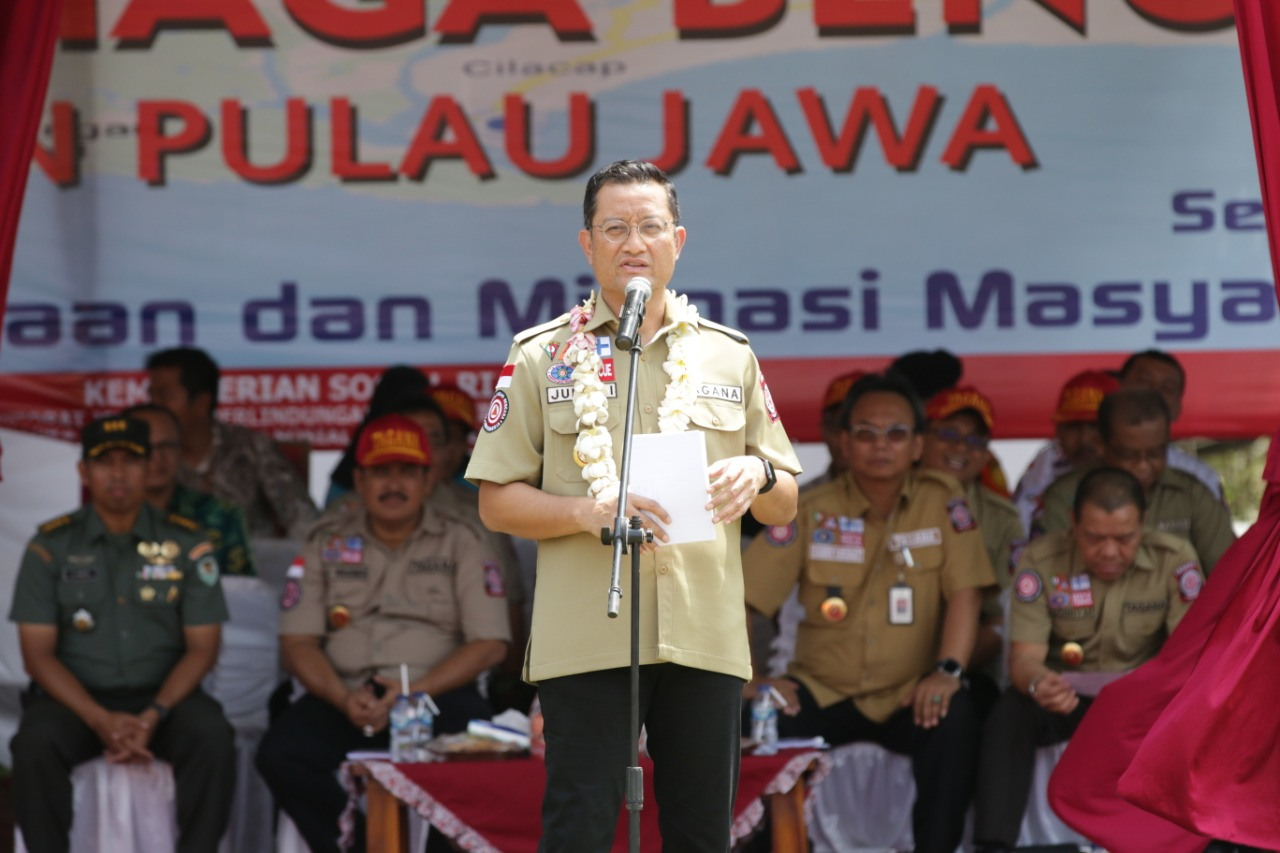 Social Minister Launches Disaster Preparedness Area in South Coast of Java Island