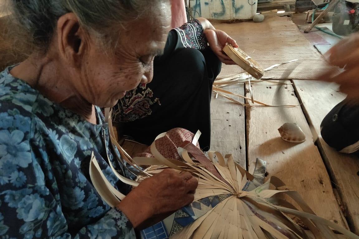 Lansia Penerima DK-LU Sulawesi Tenggara Sukses Berwirausaha