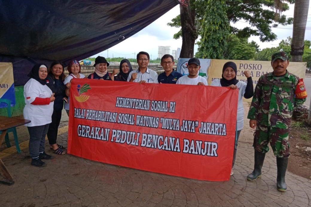 "BRS Watunas ""Mulya Jaya"" Peduli Korban Banjir"