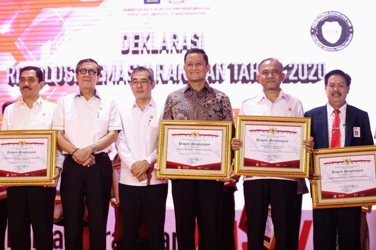 Kemensos Menerima Penghargaan Deklarasi Resolusi Pemasyarakatan 2020