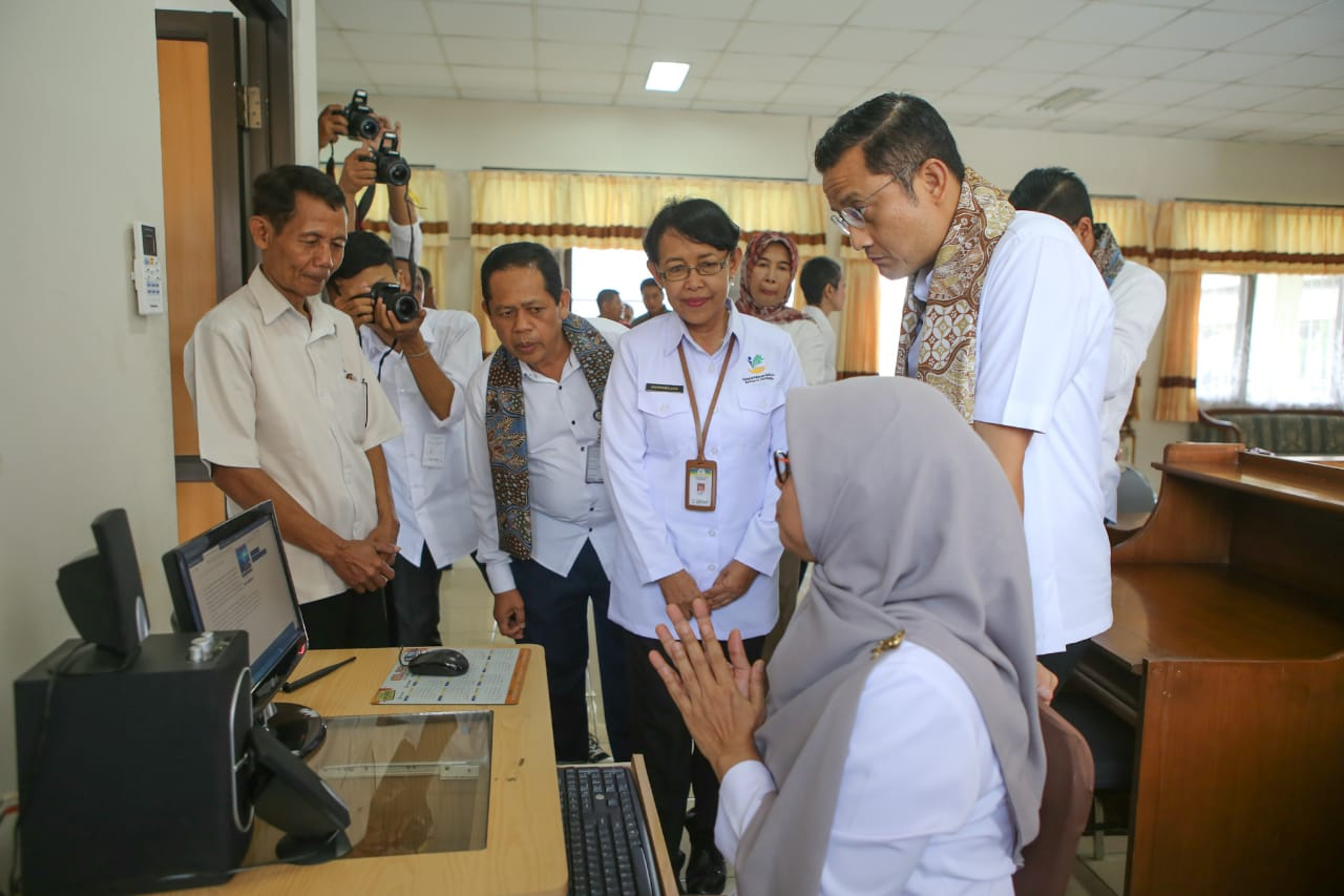 Minister of Social Affairs Visits BBPPKS Sleman