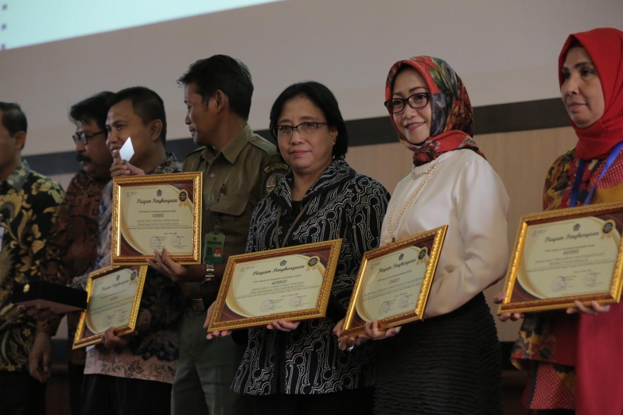 Sekretariat Ditjen Perlindungan dan Jaminan Sosial Raih Penghargaan IKPA Awards