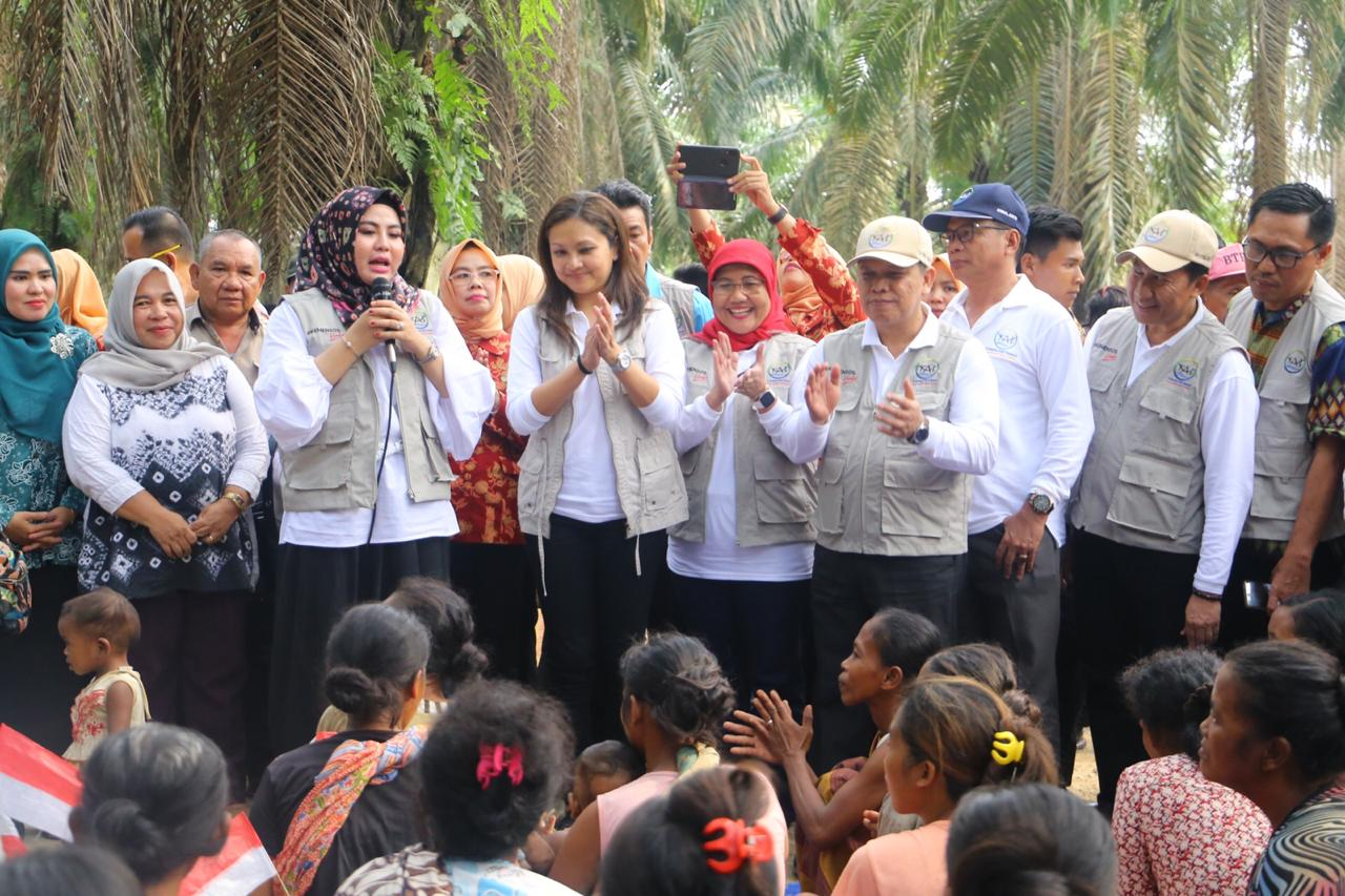 Grace Batubara Sambangi Suku Anak Dalam, Pastikan Negara Hadir
