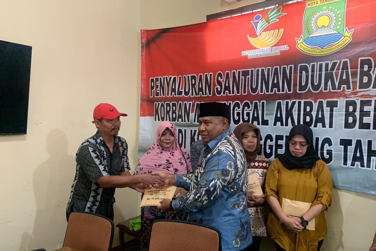 Komisi VIII DPR RI Salurkan Santunan Duka Bagi Depok dan Tangerang