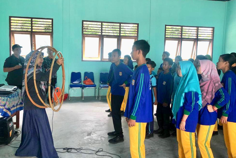 "Balai Anak ""Alyatama"" Tiktok Bareng Suku Anak Dalam"