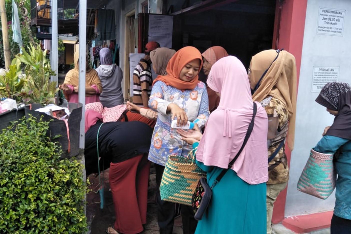 KPM Magelang Terima Penyaluran Program Sembako dan Edukasi Pencegahan COVID-19