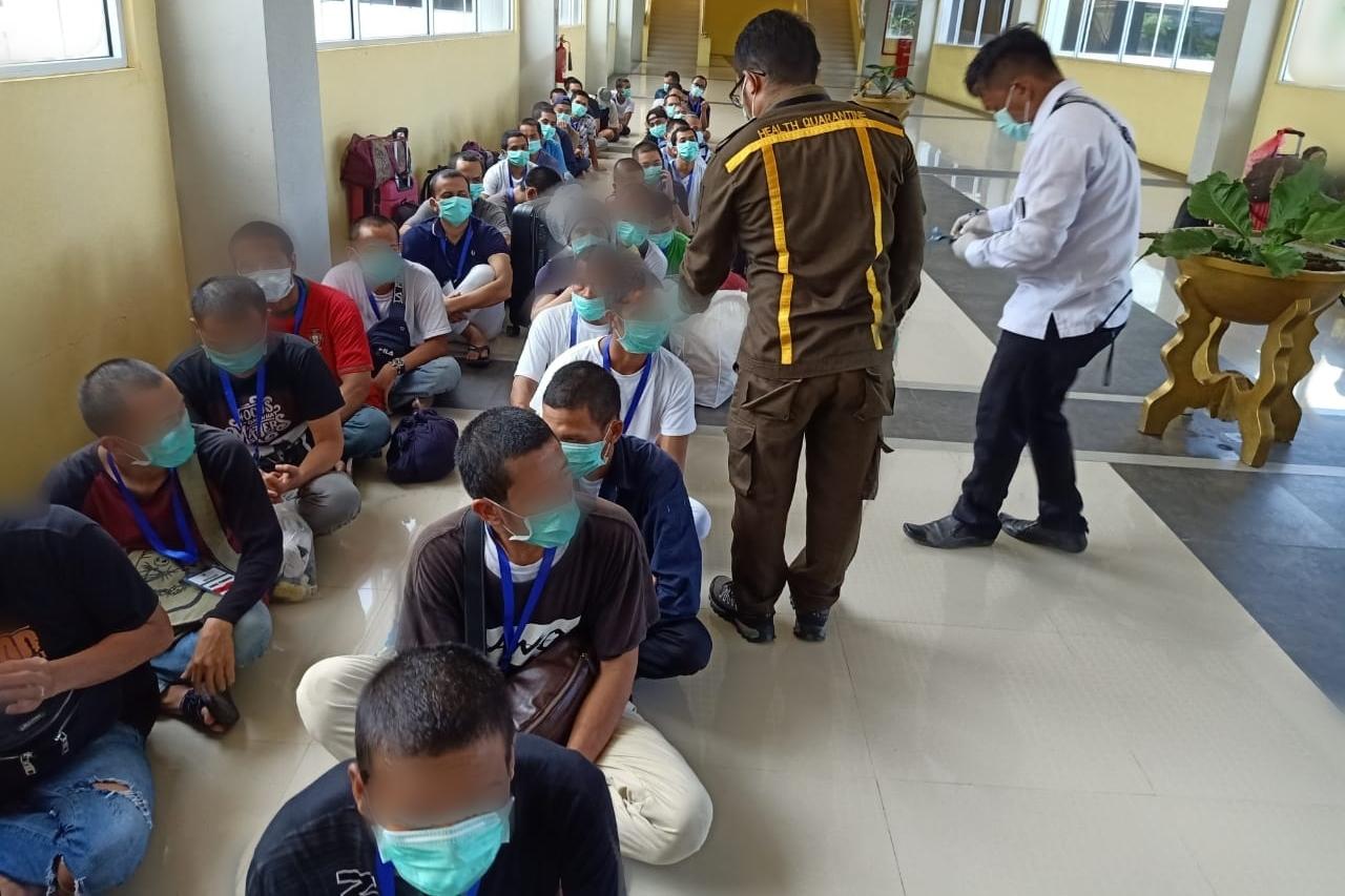 TKI Dari Malaysia Jalani Karantina dan Mematuhi Protokol Pemerintah