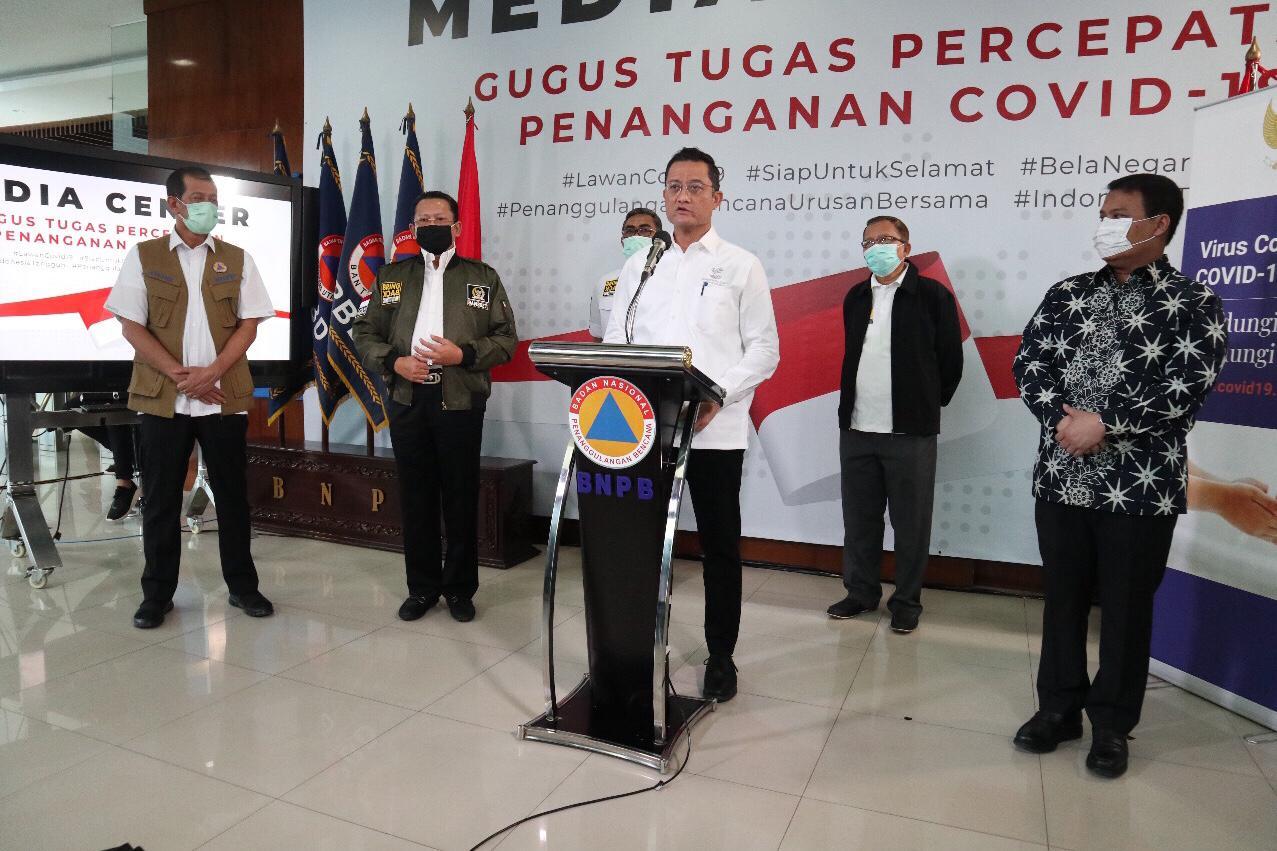 Konferensi Pers Menteri Sosial di BNPB Terkait Jaring Pengaman Sosial