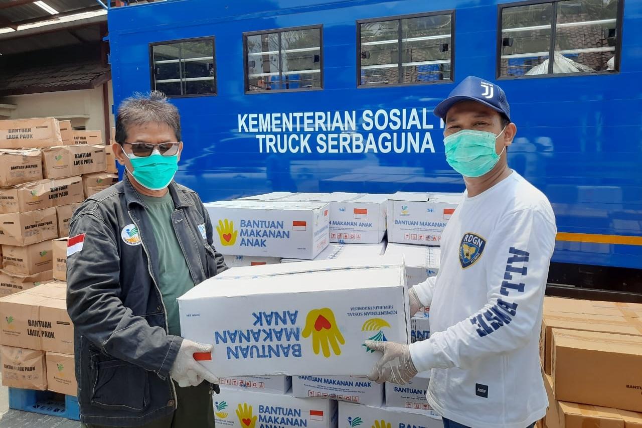 Perkuat Imunitas PM IPWL, Direktorat RSKP NAPZA Salurkan 150 Paket Sembako
