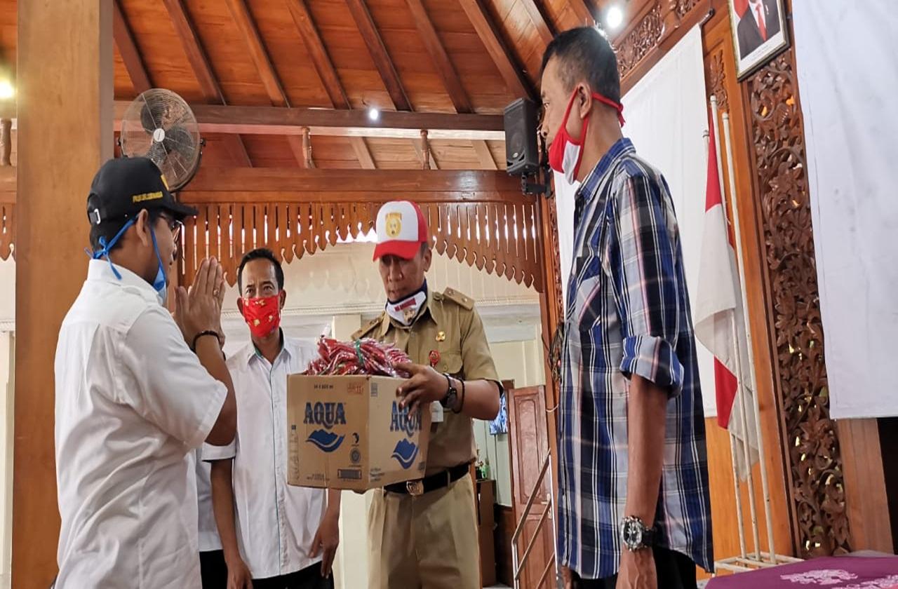"BBRSPDF ""Prof. Dr. Soeharso"" Bagikan Masker dan ""Hand Sanitizer"" Buatan PM"