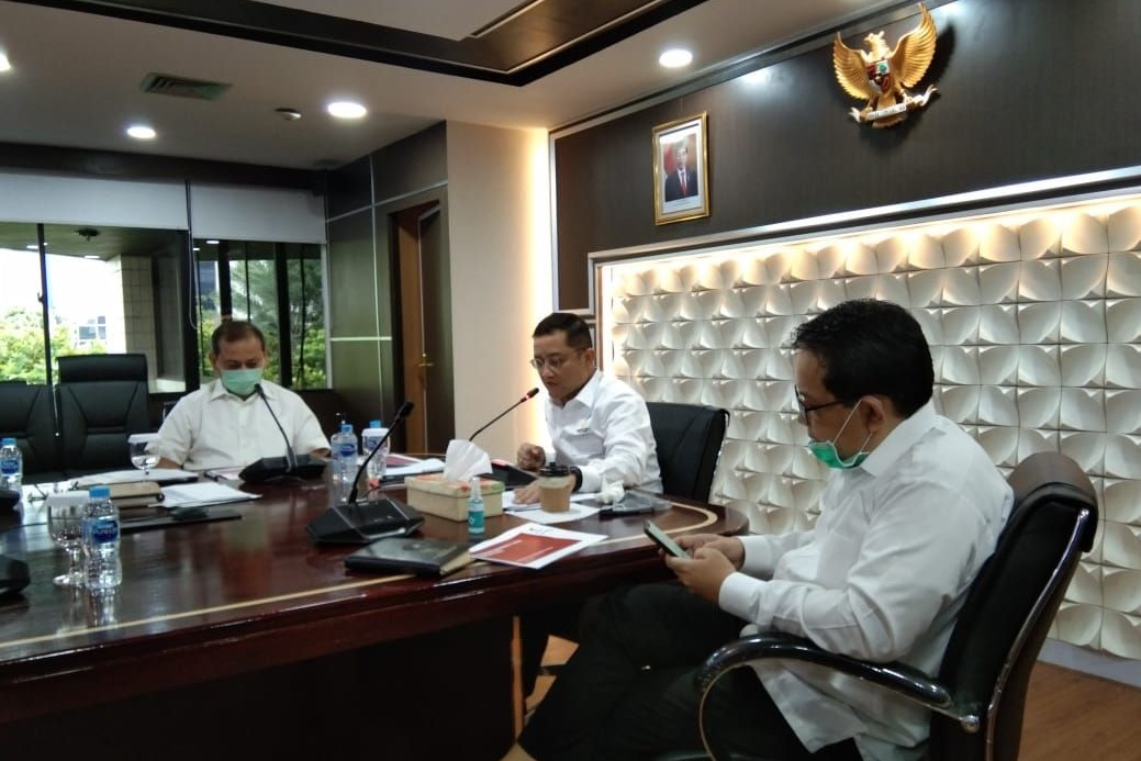 Social Minister Holds Video Conference with 33 Provincial Governments on Cash Social Aid