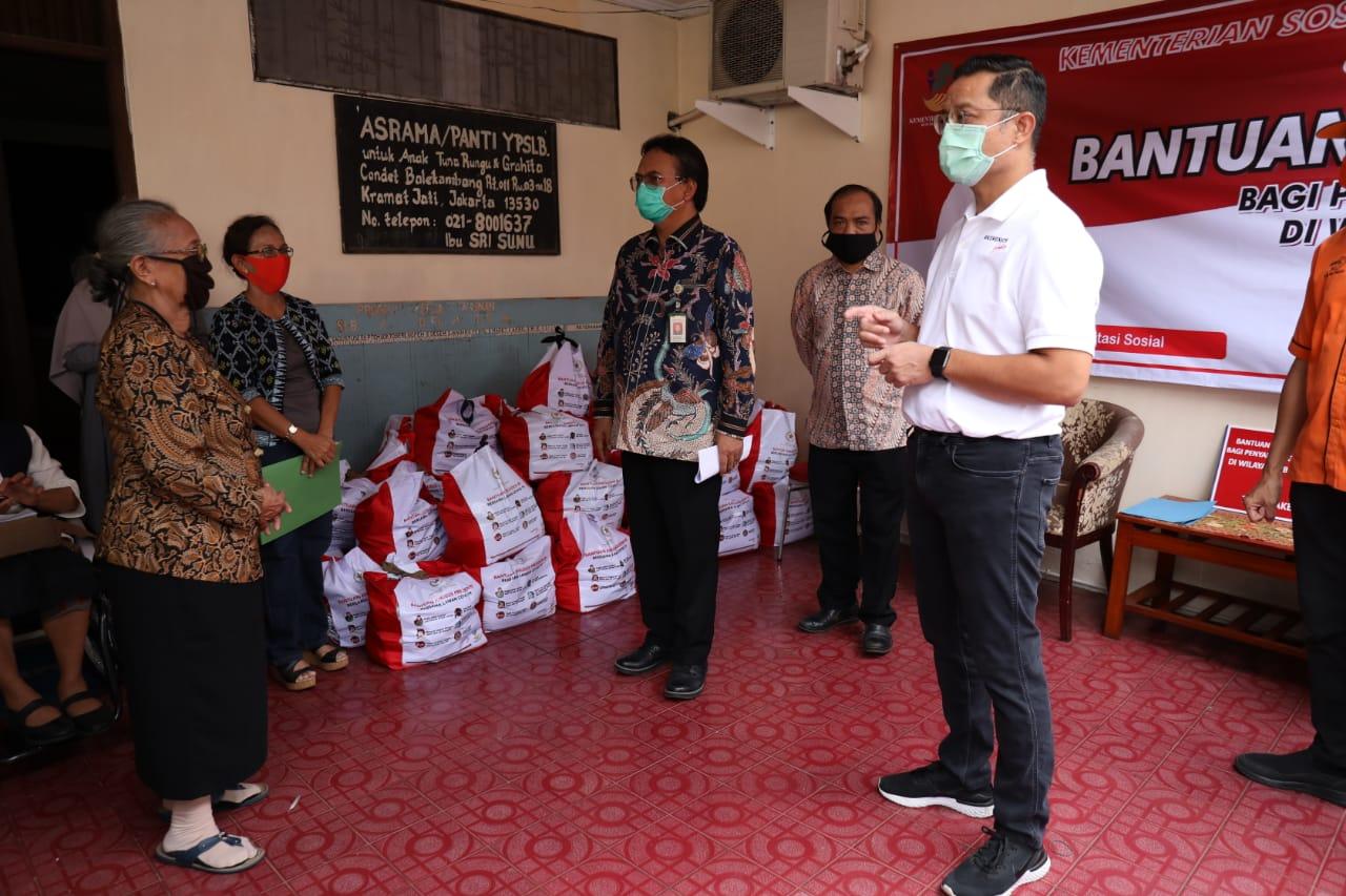Mensos Luncurkan Bansos Sembako untuk 7.072 Penyandang Disabilitas