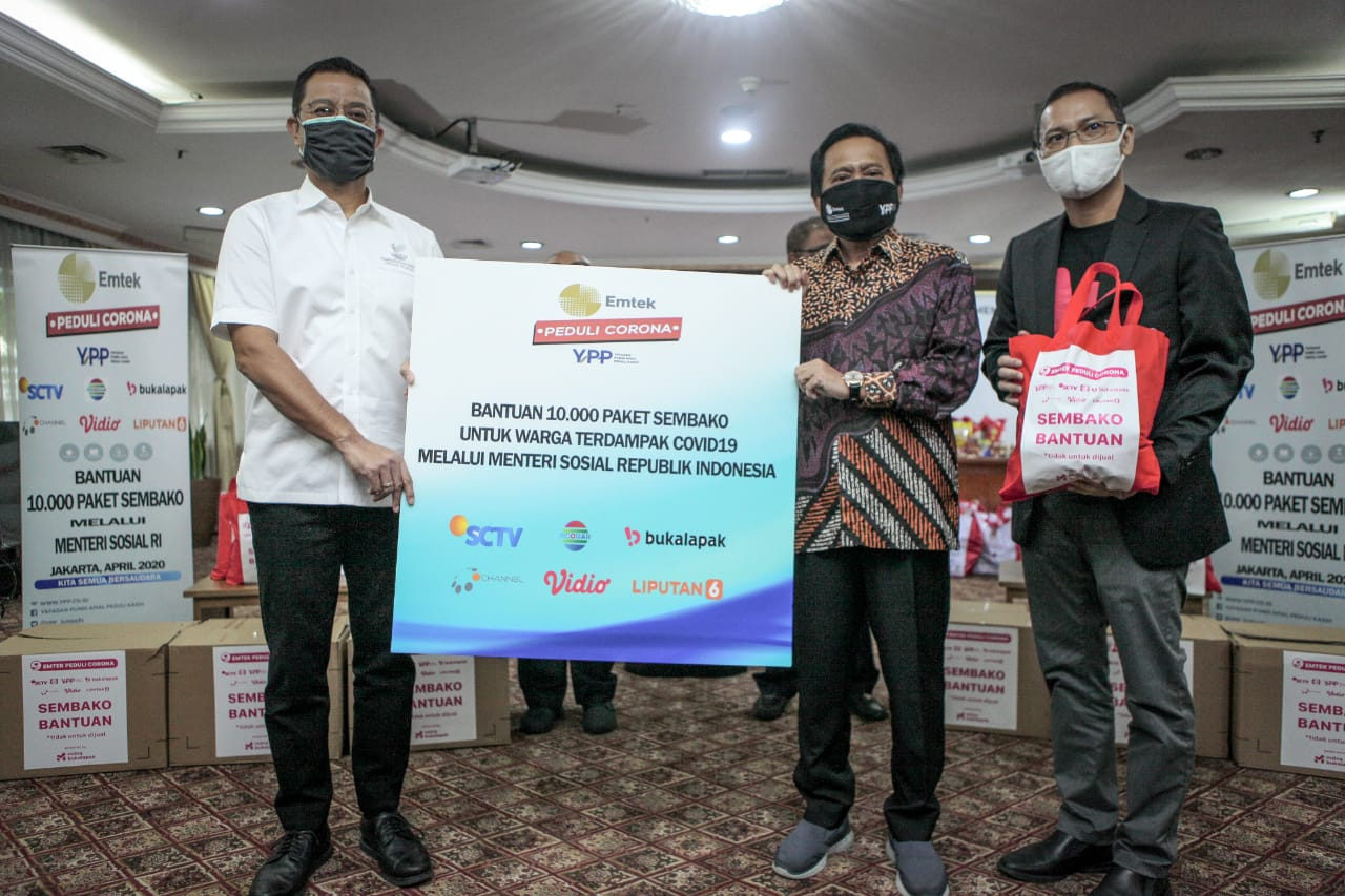 Kemensos Salurkan 10.000 Sembako Donasi Masyarakat YPP SCTV Indosiar