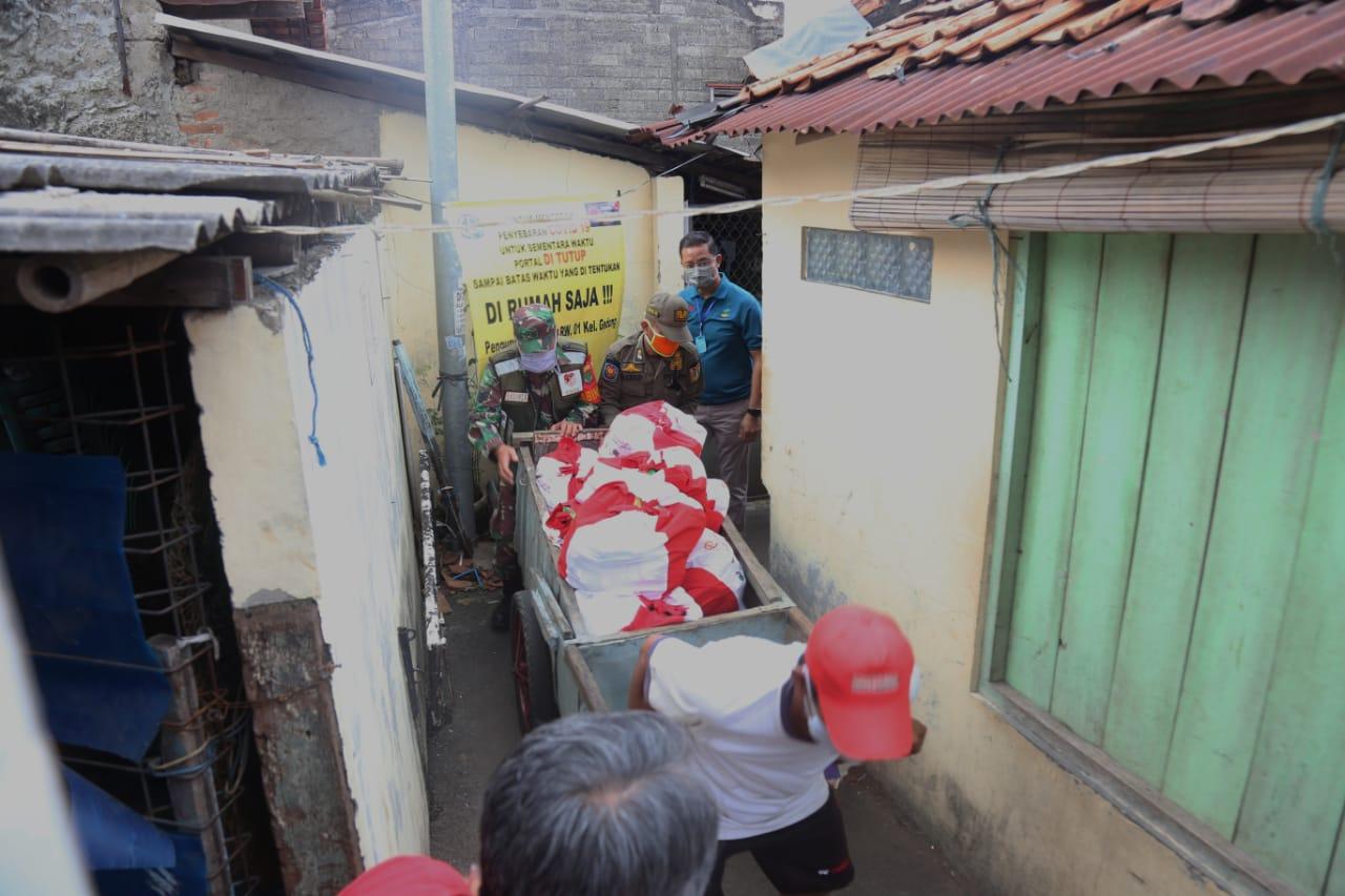 Mensos Tinjau 3 Titik Pendistribusian Bansos di Wilayah Jakarta