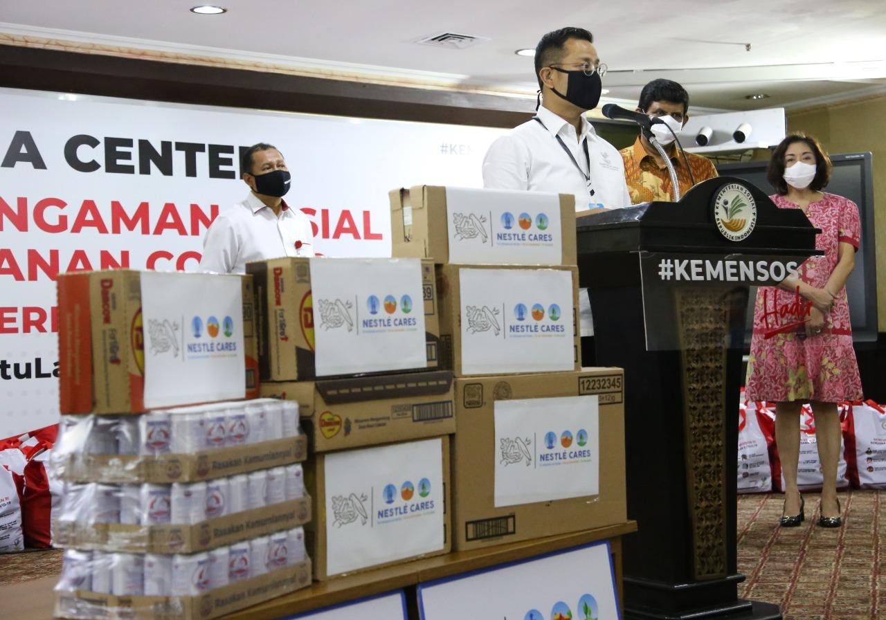 PT. Nestle Indonesia Salurkan 54 Ribu Bantuan Sosial Melalui Kemensos