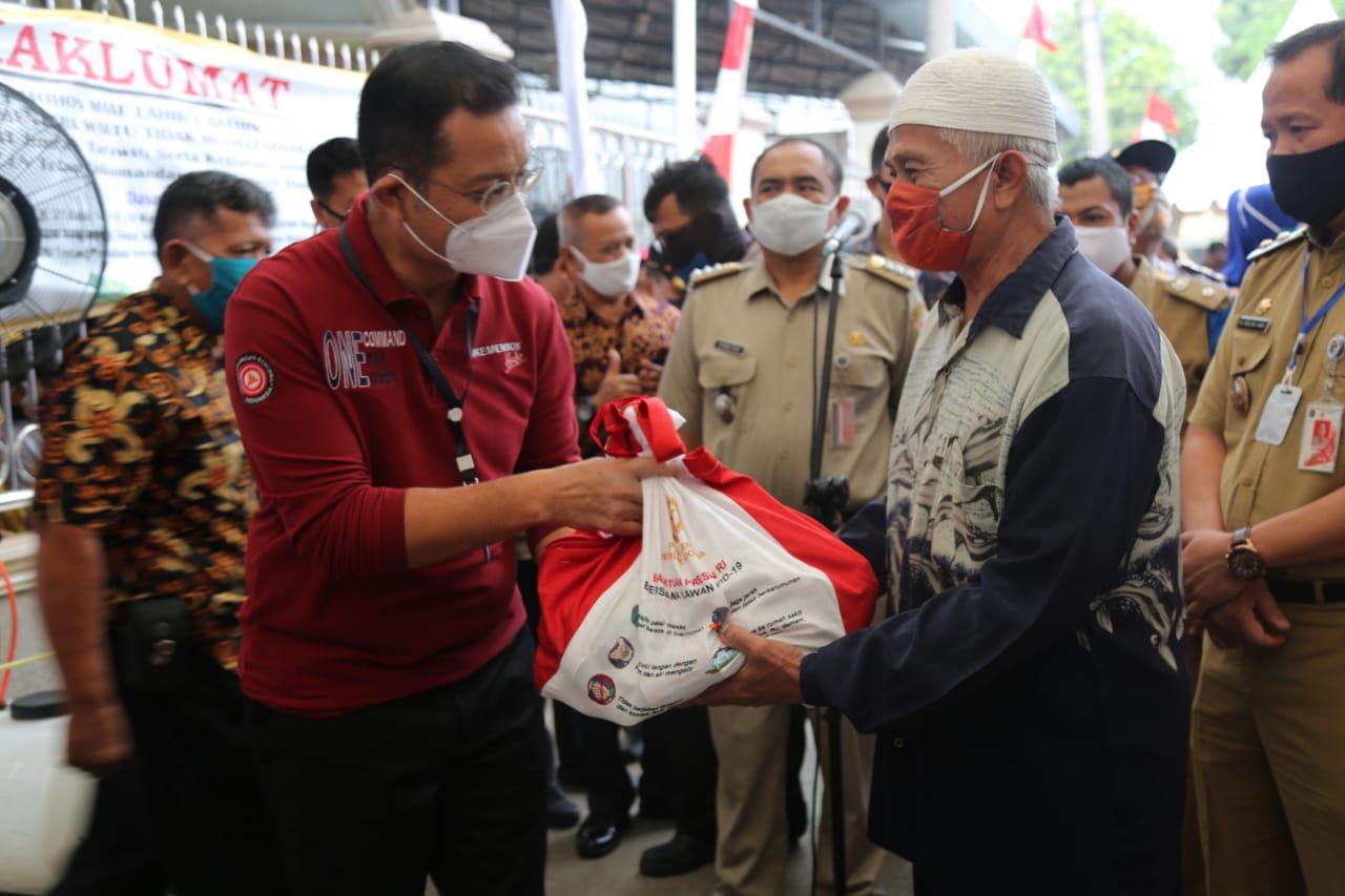 Warga Papanggo Titip Salam pada Mensos Juliari Batubara untuk Presiden Jokowi