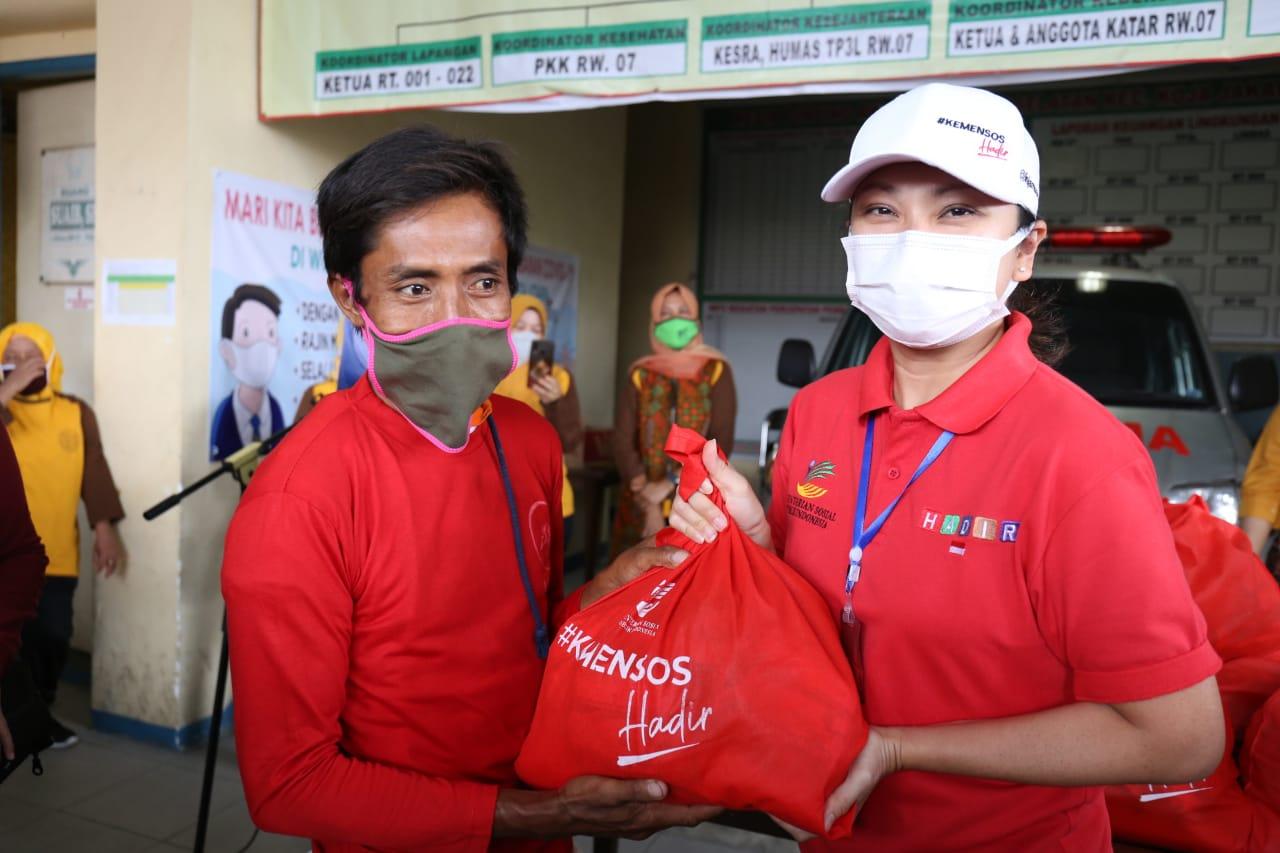 Kusir Delman dan Pengemudi Bajaj Ucap Syukur Terima Bantuan Sembako