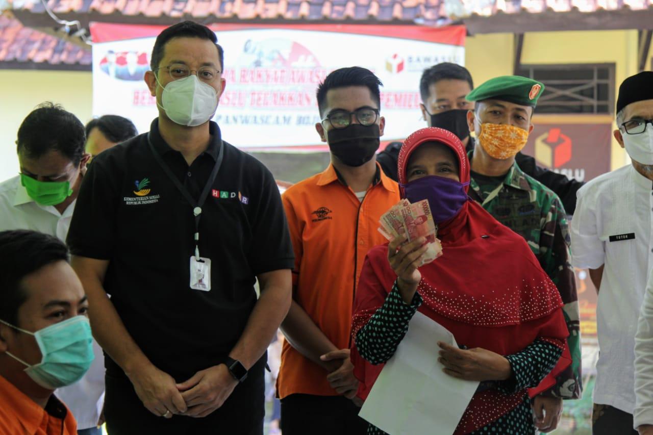 Mensos Turun Lapangan Cek Realisasi BST di Pekalongan