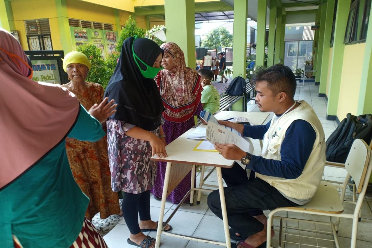 Ikatan Peksos Masyarakat Distribusikan Kartu Penerima Manfaat BPNT Perluasan
