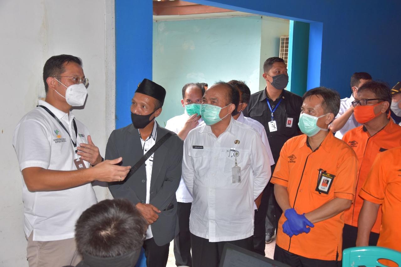 Post-Lebaran Social Minister Monitors Distribution of Cash Social Assistance in Bekasi Regency