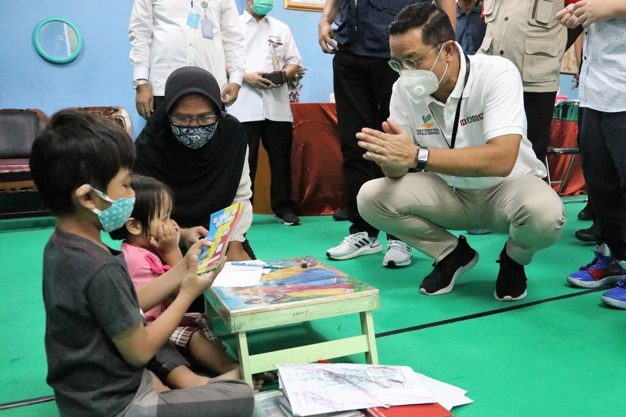 Menteri Sosial Kunjungi Tiga Balai Rehsos di Bekasi