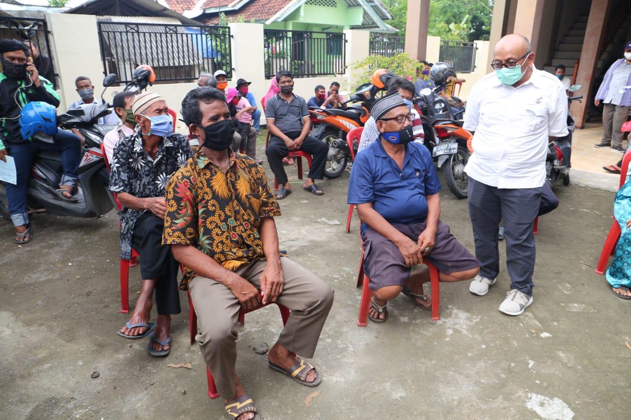 BST Penuhi Kebutuhan Sehari-hari Supir Angkot dan Penjual Kopi