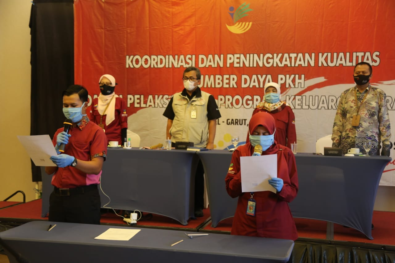 Pendamping PKH Tandatangani 'Surat Pernyataan Mematuhi Kode Etik'