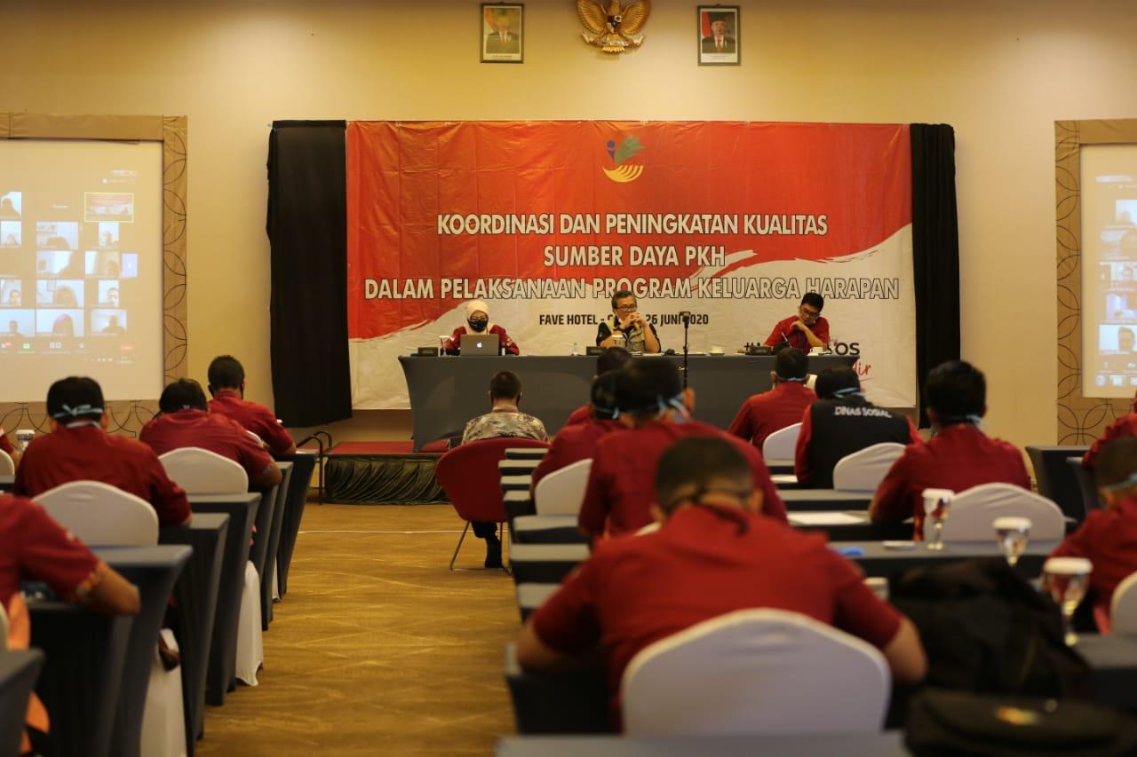Rapat Koordinasi: Dari Peningkatan Kapasitas SDM PKH, Sampai Penghargaan pada KPM Graduasi