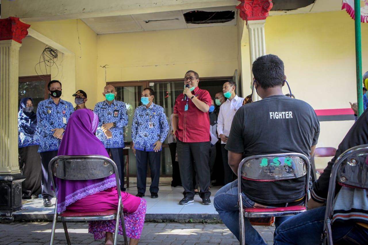 Sekjen Kemensos Pantau Penyaluran BST di Semarang
