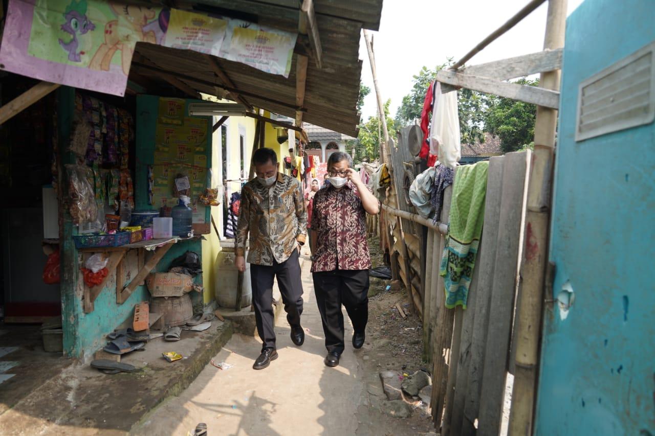 Pastikan KKS Dipegang Sendiri, Dirjen Linjamsos 'Blusukan' ke Rumah-Rumah KPM