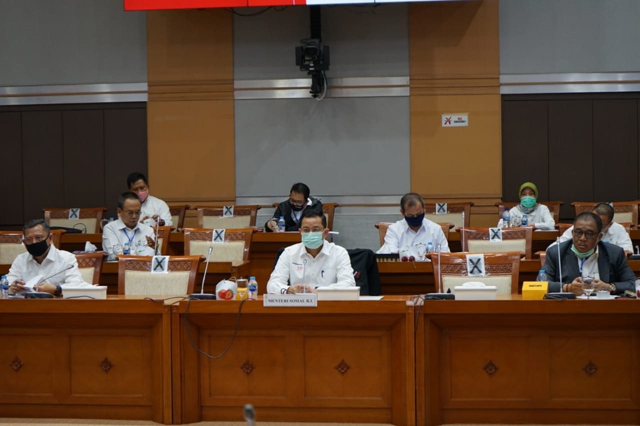 Kemensos Bahas Evaluasi Program 2019 dan Rancangan Anggaran Tahun 2021 di Gedung DPR RI