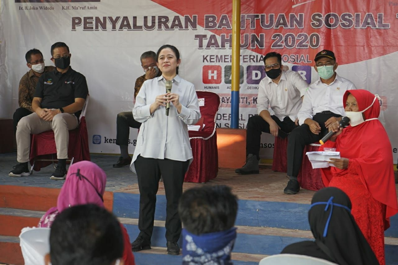 Ketua DPR, Menko PMK, dan Mensos Meninjau Penyaluran BST Tahap III di Kabupaten Tangerang
