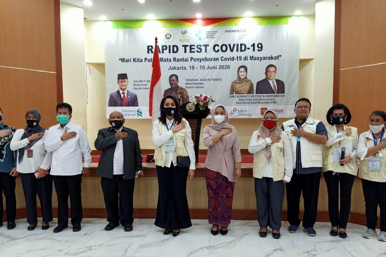 Pelaksanaan Tes Cepat COVID-19 di Gedung Cawang Kencana