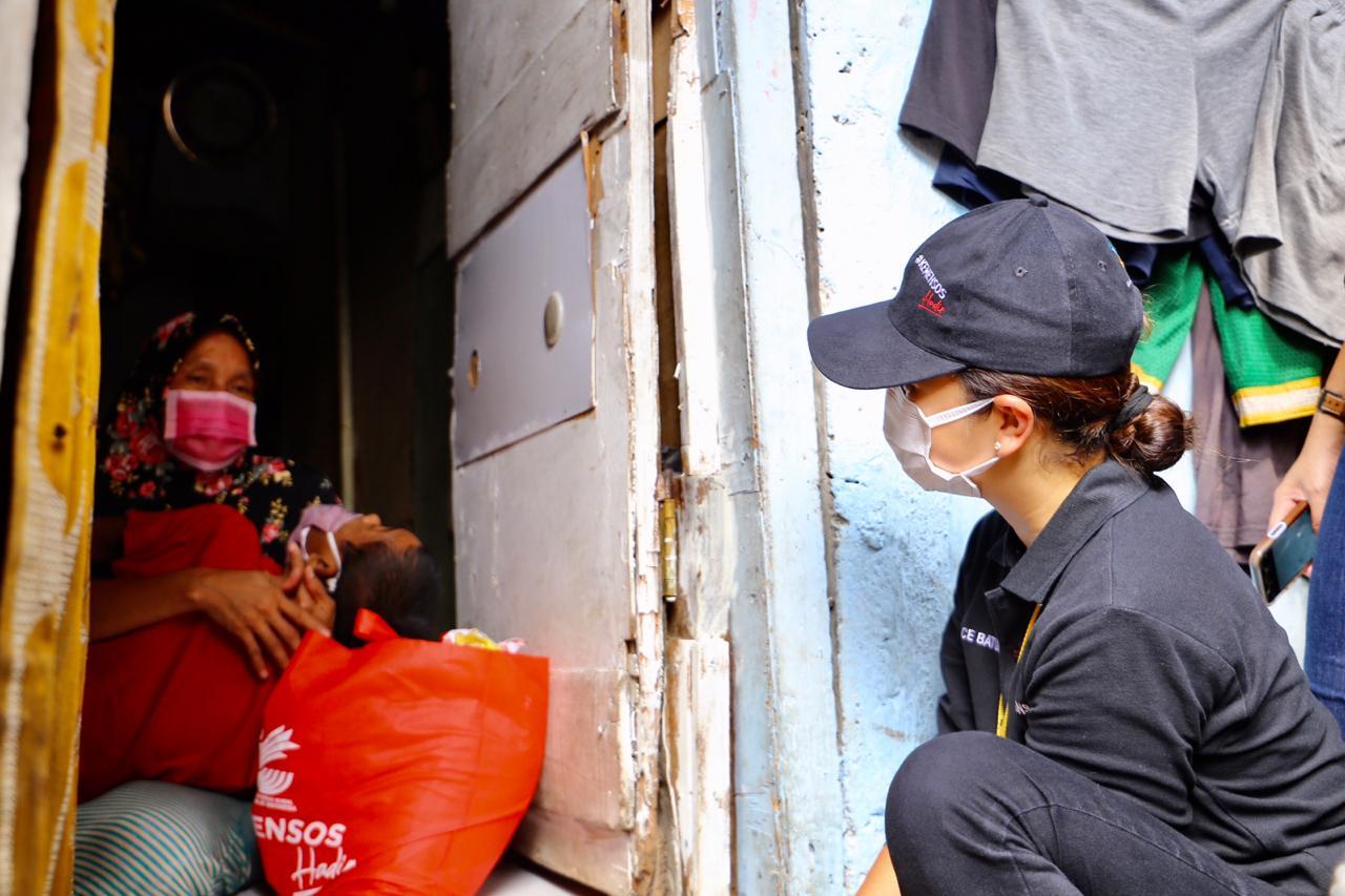 Bansos Sembako Kemensos Hadir bagi Warga Cipinang Besar Utara