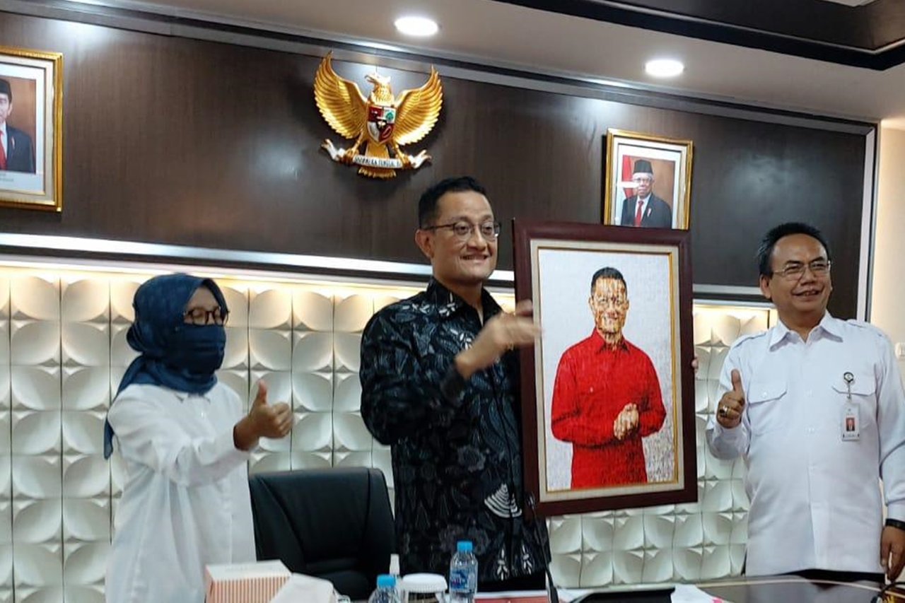 Mensos Sapa 8.000 Anak Indonesia Secara Virtual