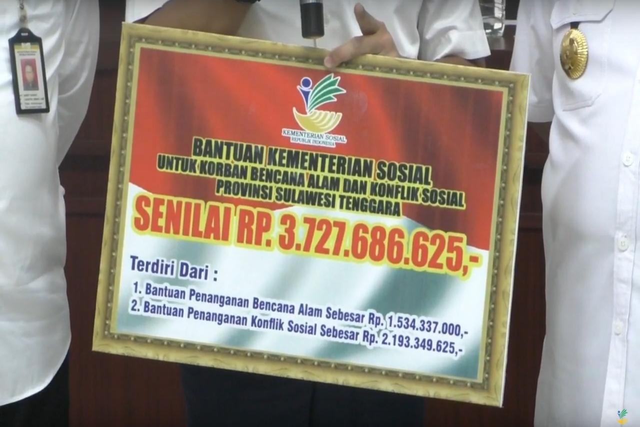 Mensos Salurkan Bantuan untuk Korban Bencana di Sulawesi Tenggara