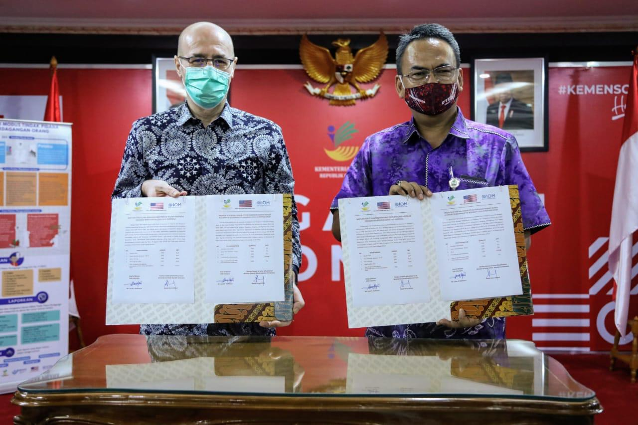 """Kementerian Sosial Terima Bantuan 2.500 """"Hygiene Kit"""""""