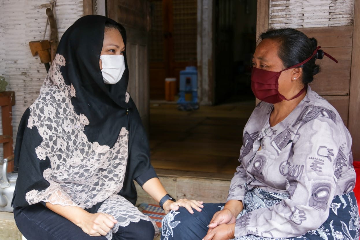 Penyaluran Sembako untuk Kampung Naga dan Komunitas Adat Terpencil Setempat