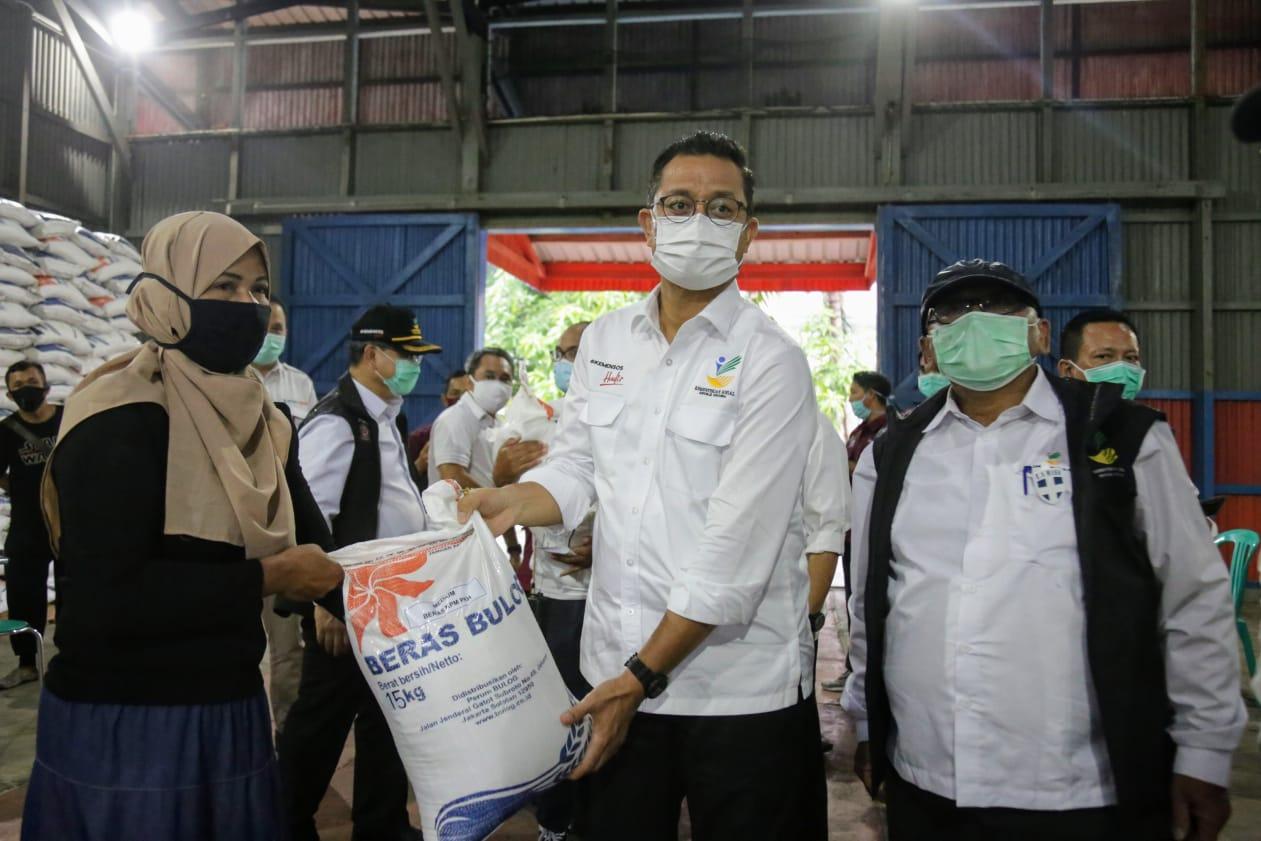 Bantuan Sosial Beras Tiba di Kabupaten Natuna