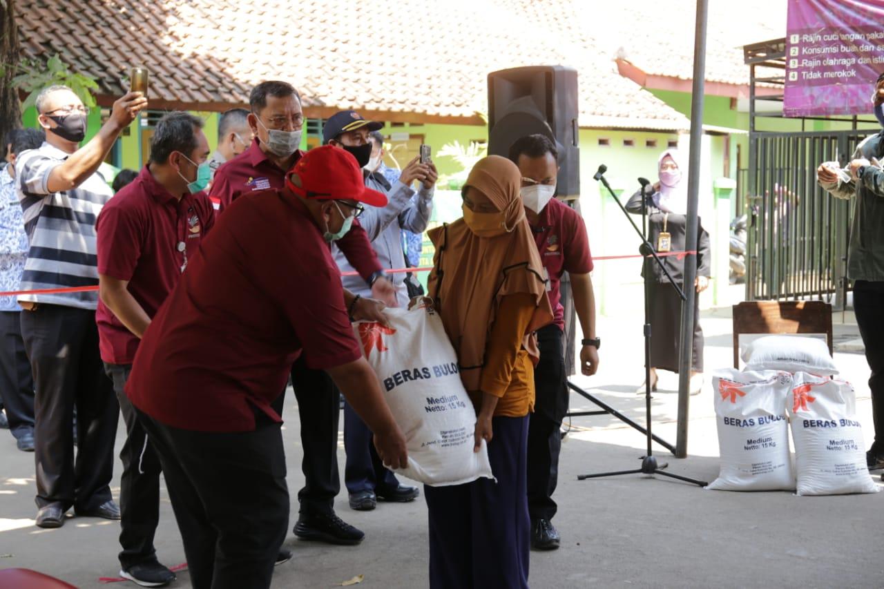 Penyaluran Bantuan Sosial Beras di Kabupaten Cirebon